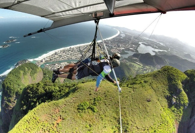 Since its starts in Rio de Janeiro, hang gliding has developed into a practical and relatively safe sport! we have no record of accidents. Book Now!