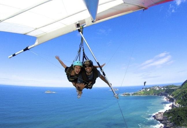 Hang Gliding in Rio de Janeiro - RJ. Best hanggliding pilots, see reviews and photos. Click Here!