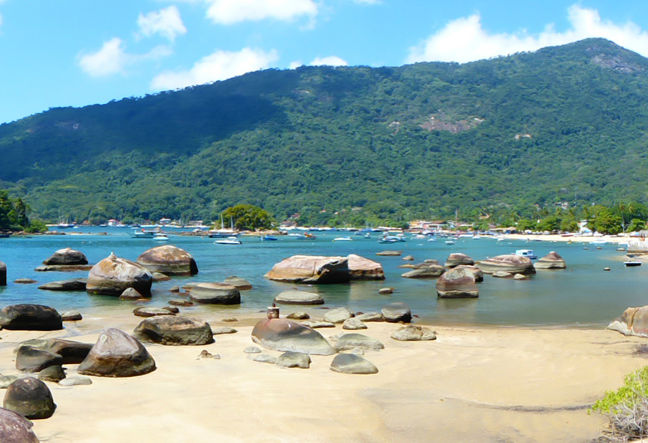 Visit Ilha Grande in one day Tour!!! We offer the best hiking tour for those who don´t wish to spend many days on Ilha Grande. Click Here & Book Now!