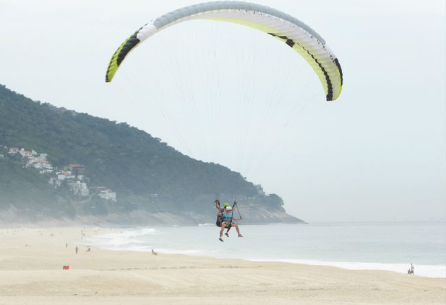 Try the Paraglider Tandem Flight in Rio de Janeiro. The opportunity to fly Tandem Paragliding is now. Click Here.