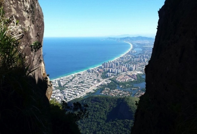 Pedra da Gavia Hiking Tour takes you to the most challenging and fun hike in Rio! Click Here!