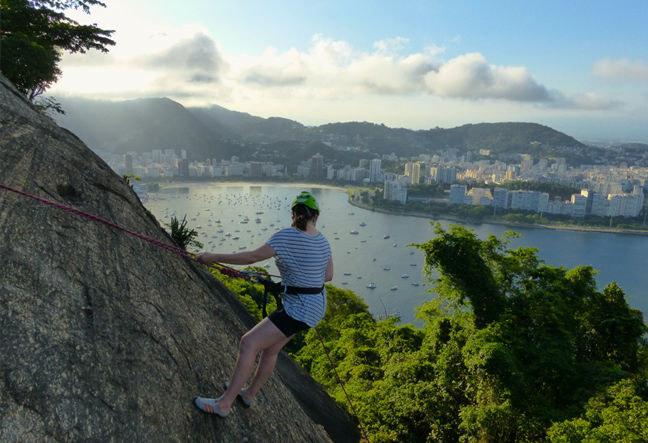 Rappelling, canyoning, canyoneering and abseiling are popular worldwide. Book Now the abseil (Rapelling) tour in Rio de Janeiro to have a revitalizing experience!
