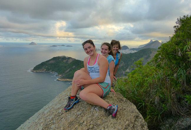 Conheça o Sugar Loaf e o Pão de Açúcar de um jeito especial · Suba por uma trilha com um pequeno trecho de escalada · Agende Agora!