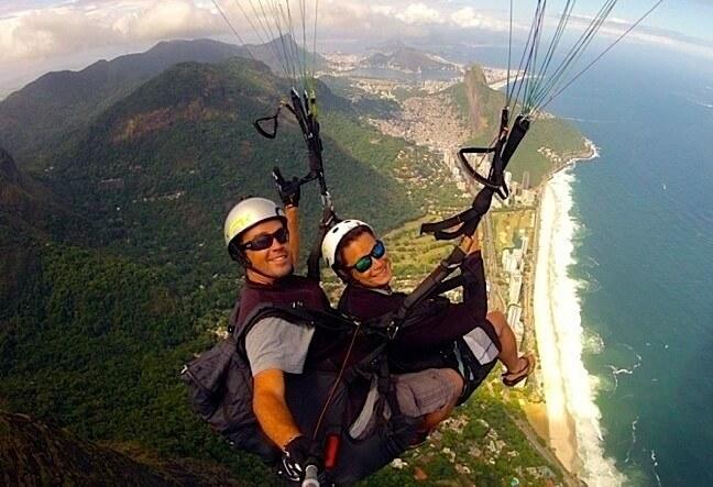 Enjoy a Paragliding tandem flight in Rio de Janeiro. Come and fly a paraglider and discover Rio. Book Now!
