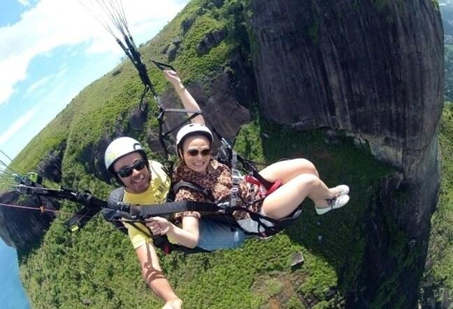 Venha curtir um Voo Duplo de Asa Delta ou Parapente no Rio de Janeiro. Aprenda a voar! Agende seu voo!