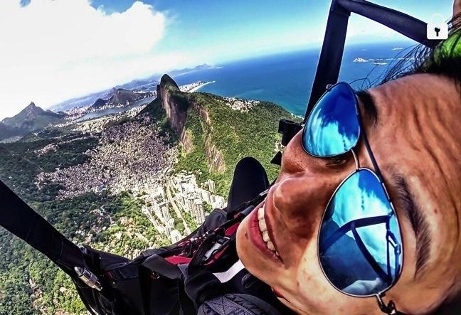 Paragliding Rio de Janeiro takes off from Pedra Bonita and lands on São Conrado beach
