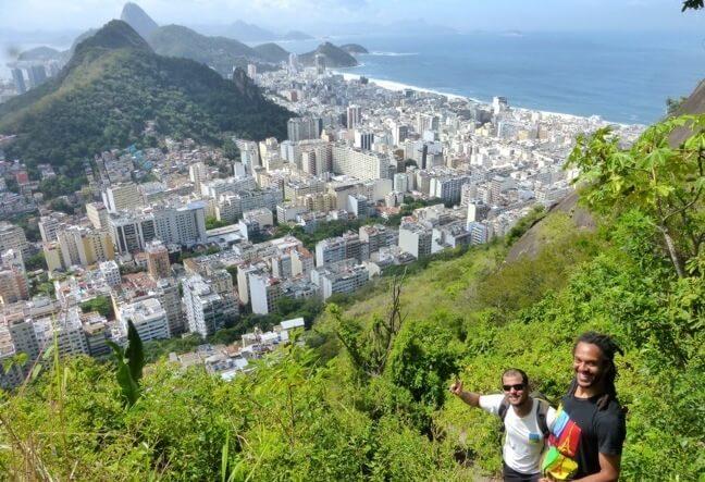 Saiba como subir a pé até o Morro dos Cabritos · Conheça a trilha do Morro dos Cabritosem Copacabana · Clique Aqui!