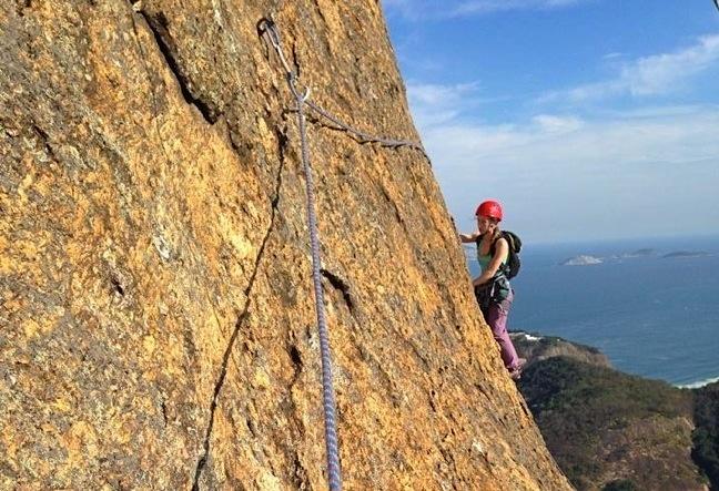 Hiking Rappel and Climbing Morro da Urca in the tourist complex of Sugar Loaf - Escalada RJ