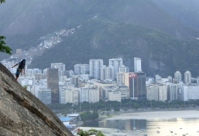 We take you to hike (moderate hike) to the top of Sugar Loaf- rock climbing rio de janeiro - Escalada RJ